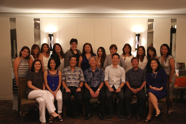 Photo of Aiea Pearl City Dental Care Team Photo Top Row Left to Right Rechie Sherri Dee Venice Karen Vangie Vilma Robbie Lydia Doreen Laurie Teo Bottom Row left to right Sandie Tracy Dr Nakamura Dr Matsuura Dr BLake Danny Kim;